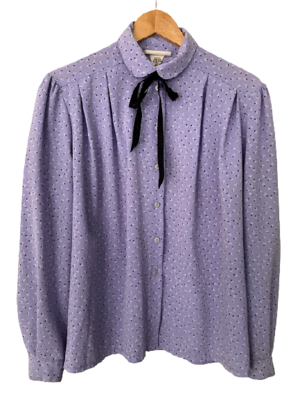 Buy: Lavender 80s blouse with Gucci ribbon Size 10
